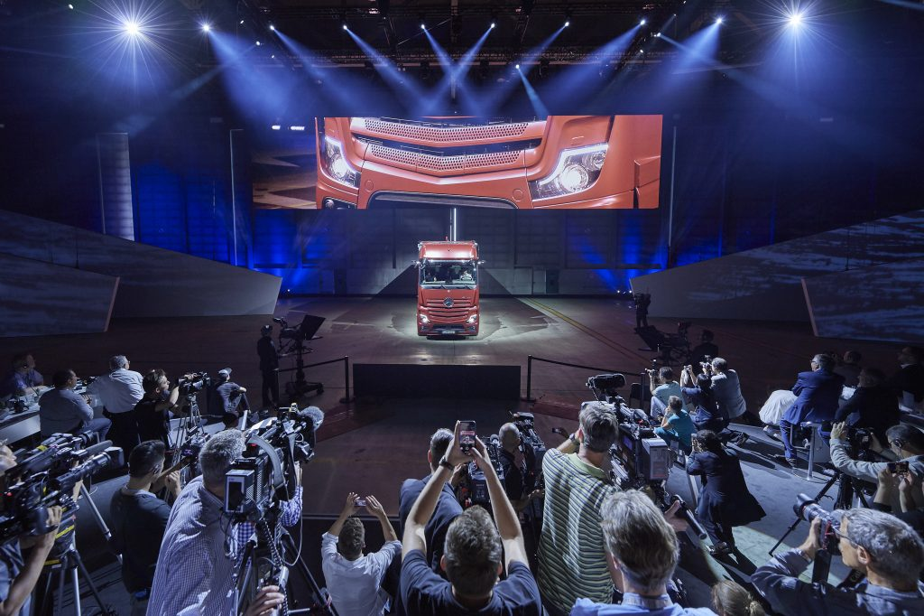 Daimler auf der IAA 2018 in Hannover - Product Experience, 18. September 2018   Daimler at the IAA 2018 in Hanover- Product Experience, 18 September 2018