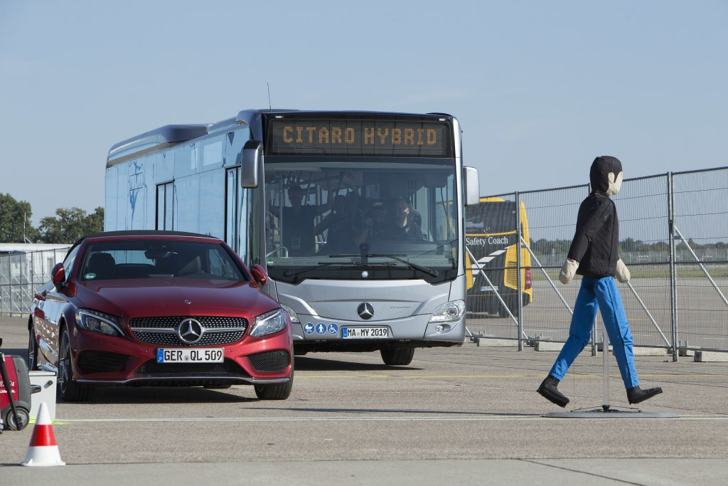 Daimler auf der IAA 2018 in Hannover – Product Experience, 18. September 2018   Daimler at the IAA 2018 in Hanover – Product Experience, 18 September 2018
